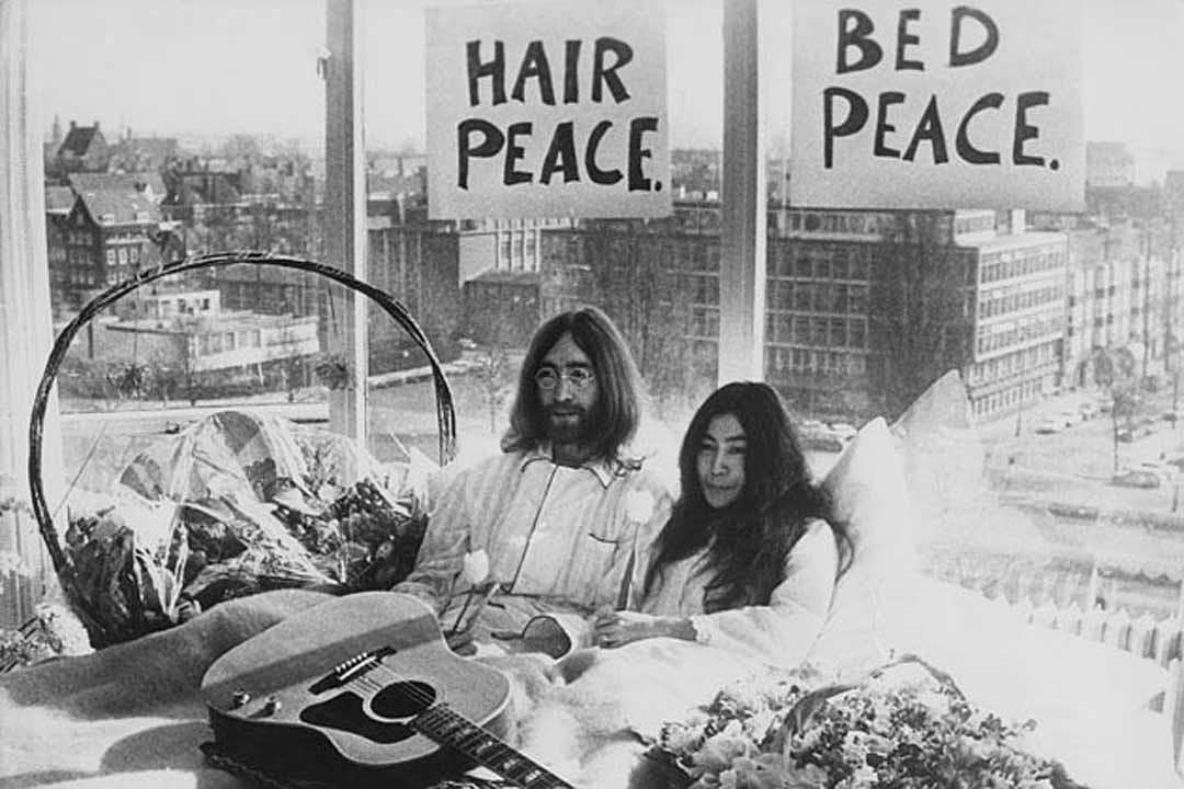 Lennon bed in photo getty