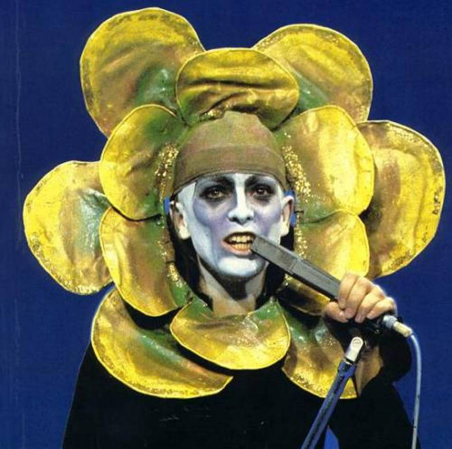 Peter gabriel costumes delirants
