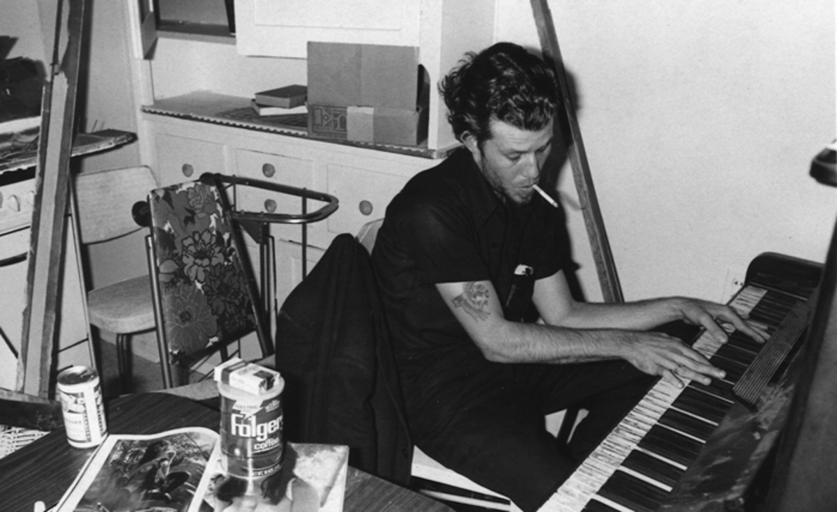 Tom waits piano 77