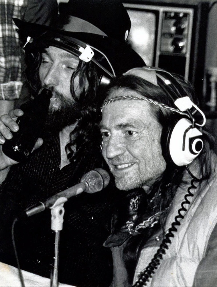 Waylon jennings willie nelson radio